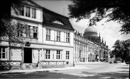 Potsdam, Schloßstraße