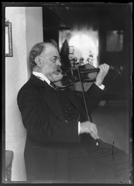 Bildnis Joseph Joachim (1831-1907) mit Violine