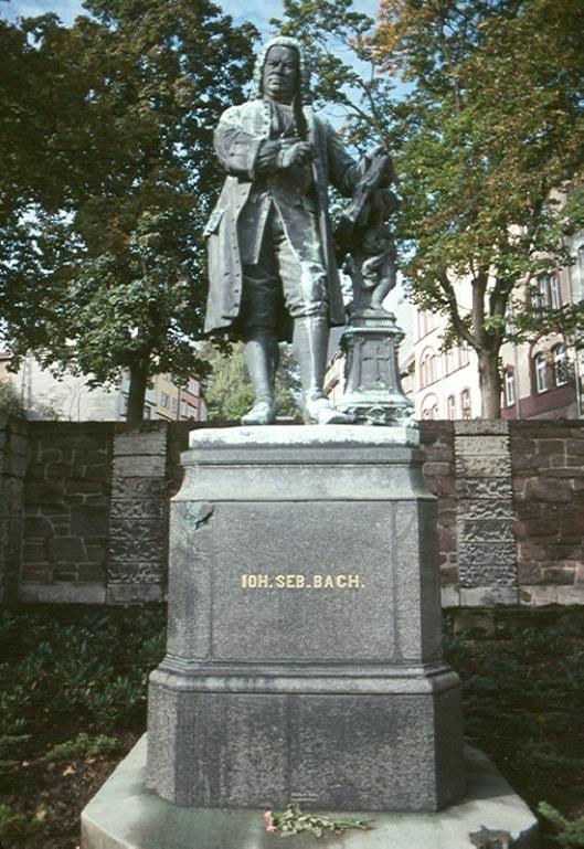 914u_Statue_of_Johann_Sebastian_Bach,_Eisenach,_GER,_22_S