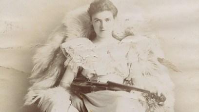 Clench-Nora-1867-1938-Foto.jpg
